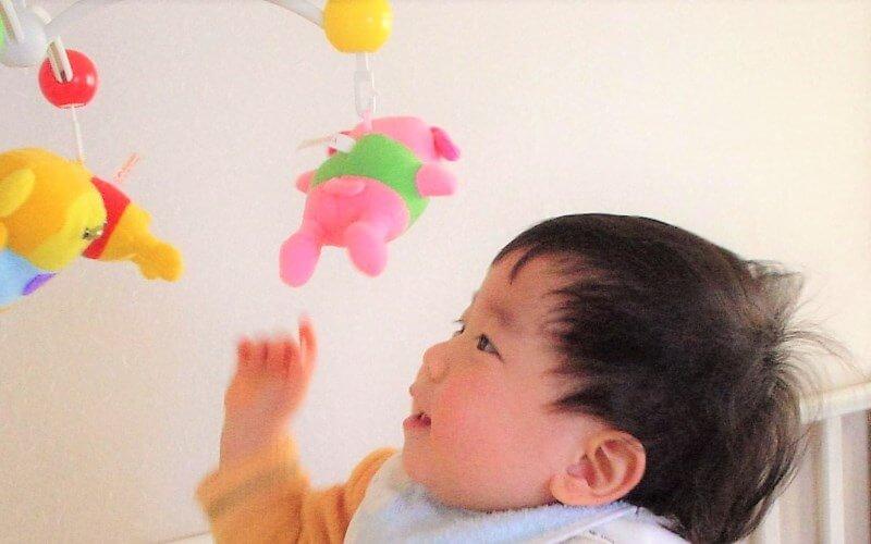ねんね期のおもちゃに『6WAYジムにへんしんメリー』がおすすめ | おすわり・つかまり立ち期も使える | 育児便利グッズ #16